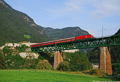 Korridorzug BB (Luca Farina) Tags: railroad bridge mountain alps train siemens rail railway ponte taurus bahn alpi montagna treno innsbruck bb trentino ferrovia lienz passengertrain 1216 sudtirolo viadotto aica nikond60 e190 trentinoaltoadige eurosprinter brennerbahn es64 es64u4 1216obb korridorzug partofthebest locomotivapolitensione trenopasseggeri trenocorridoio fortezzasancandido