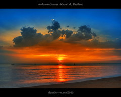 Andaman Sunset - Khao Lak, Thailand (HDR) (farbspiel) Tags: ocean travel blue red sea vacation holiday seascape colour rot tourism water colors sunshine yellow clouds photoshop landscape geotagged thailand see amazing nikon colorful asia asien southeastasia sdostasien wasser paradise colours cloudy tripod wolken wideangle bluesky gelb journey colourful blau atthebeach nikkor landschaft dri blauerhimmel hdr highdynamicrange tha khaolak settings farben andamansea summerholiday wolkig workflow postprocessing ozean dynamicrangeincrease 18200mm d90 amazingthailand photomatix tonemapped tonemapping farbenpracht detailenhancer processinginformation hdrprocessing topazdenoise topazsoftware ramadaresortkhaolak nikonafsdxnikkor18200mm13556gedvr geo:lat=866197843 geo:lon=9824618340 hdrpostprocessing