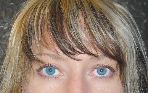 Freshlook Brilliant Blue -vs- True SapphireTrue Sapphire Contact Lenses