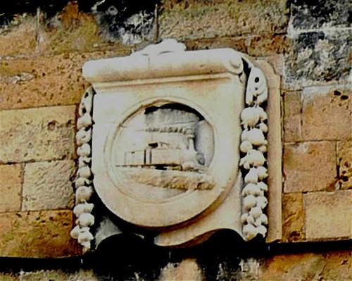 escudo del túnel del tren