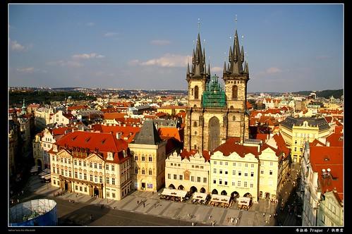 布拉格的市政廳中塔上看舊城廣場