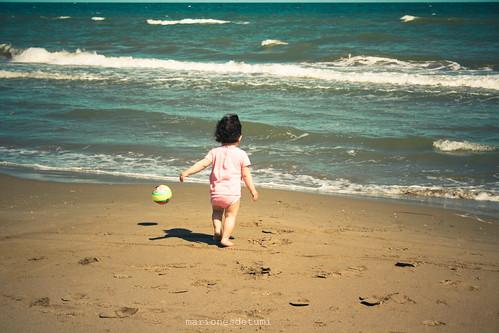 maria en la playa