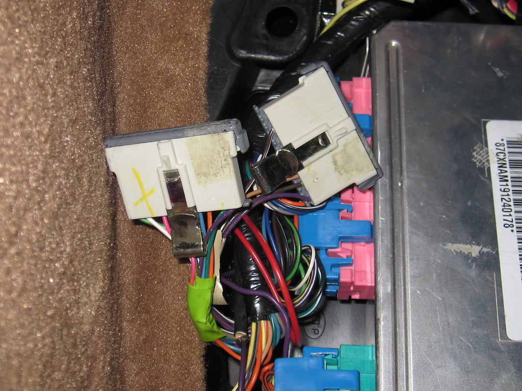 Electrical Issues 2001 C5 Corvetteforum Chevrolet Corvette Forum Problems Of The Is To Go Into Passenger Foot Well And Find Two Star Connectors Here Some Info On Help Identify Them