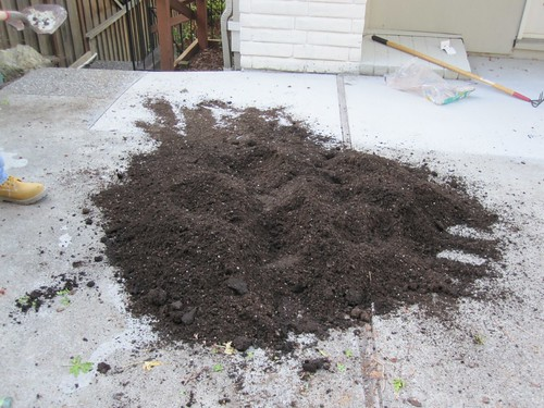 Dirt compost mixture