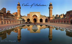 Colors of Pakistan (Max Loxton) Tags: pakistan reflection panoramas images east getty punjab middle ppg lahore towardspakistancom yasirnisar towardspakistan masjidwazirkhan pakistaniphotographersgroup maxloxton colorsofpakistan