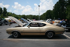 1971 Olds 442 (osubuckialum) Tags: cars car gold 1971 nc buick gm muscle northcarolina 71 cadillac pontiac cary carshow musclecar olds oldsmobile 2010 442 generalmotors hendrick