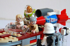 these r not the droids u r looking for (gunnez) Tags: storm trooper buzz toys starwars lego ben luke story r2d2 legos lightyear c3po skywalker obiwan kenobi 7590 8092