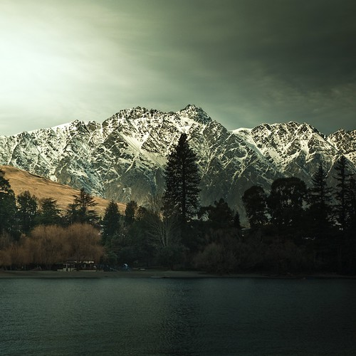 New Zealand / landscape / mountains / lake / nature / water / photography