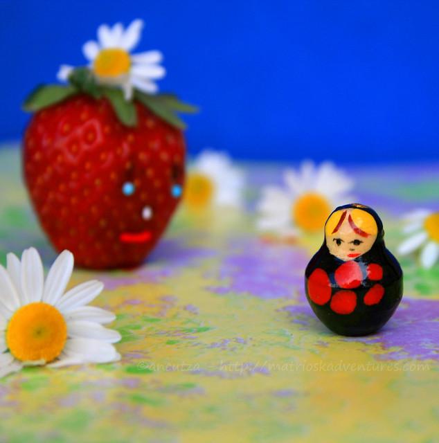 frutta divertente e fantasiosa e matrioska