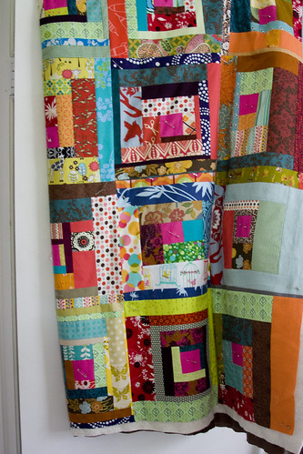 Bee Beautiful Log Cabin Quilt