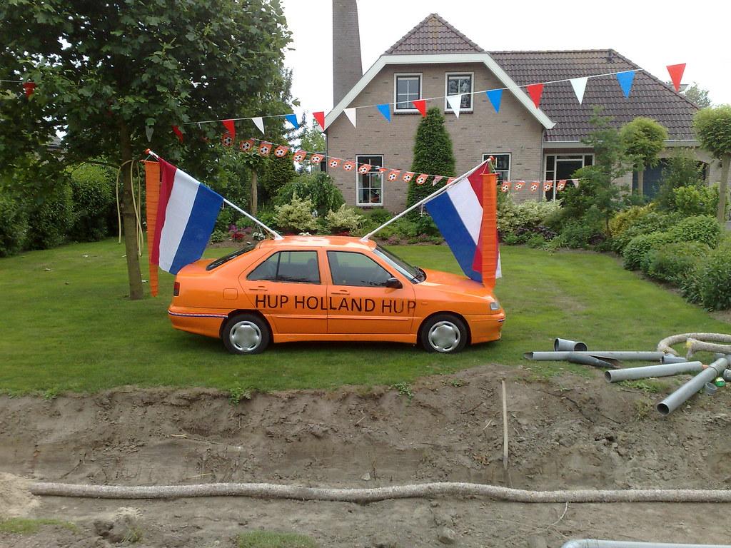 Beatrix vindt nieuwe dienstauto niet 'koningshuiswaardig'