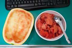 20100609-IMG_2921 (Noelas) Tags: food 35mm canon eos f14 taiwan watermelon 09 l 5d taichung usm fullframe dslr  06  ef 2010  3514  canoneos5d 35l citrulluslanatus canonef35mmf14lusm l 135ff