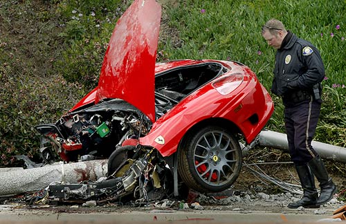 ferrari-car-crash-photo