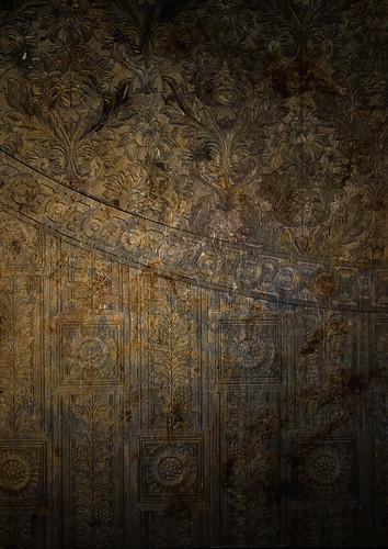 wallpaper_decay_2