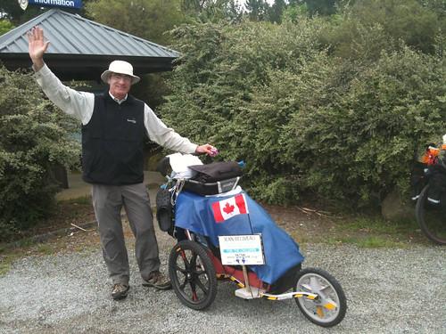 徒歩で世界一周中のカナダ人・ジャンさん