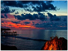 Sunset @ The Rock Bar | Ayana Resort & Spa | Jimbaran, Bali (I Prahin | www.southeastasia-images.com) Tags: ocean sunset bali bar clouds indonesia pier glamour waves cliffs cocktail ritzcarlton cocktails glamor jimbaran rockbar superaplus aplusphoto bestcapturesaoi ayanaresort elitegalleryaoi balibestbar
