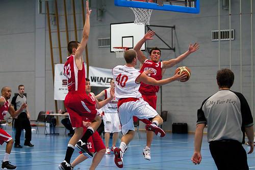 Swiss Central Basket - STB Bern Giants (3.11.2010)