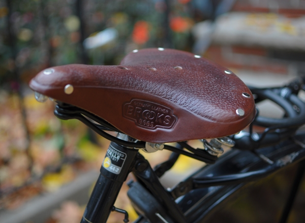 64117984bc2 Choosing an Upright Saddle: Brooks B72 vs Brooks B66