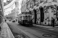 Lisboa tram (Bouhsina Photography) Tags: lisboa black white noir blanc bw portugal canon 2016 bouhsina bouhsinaphotography 5diii street rue ef2470 tram train transport