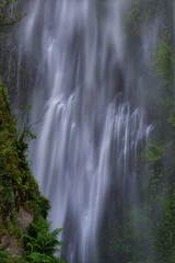 Intimate Drop (jojo (imagesofdream)) Tags: oregon columbia river gorge waterfalls multnomah intimate