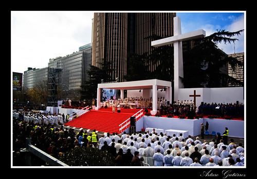 Misa por la Familia Cristiana en la plaza de Lima