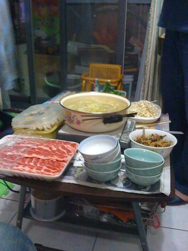 滿桌的火鍋料