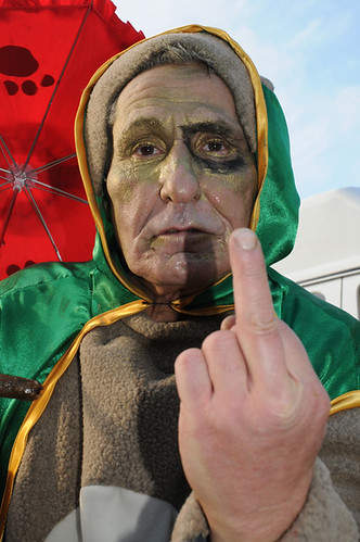 mummer giving the finger_9693 web