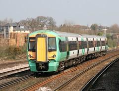 Class 377 in the Sun (kitmasterbloke) Tags: electric trains southern emu british southampton railways class377