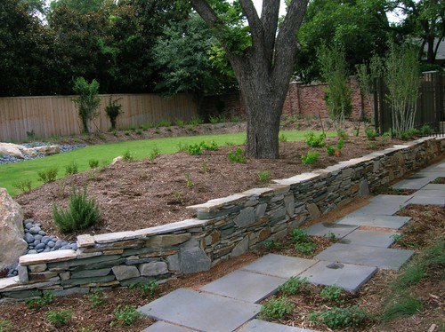 Retaining wall garden ideas