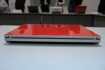 ThinkPad Edge 13 背面