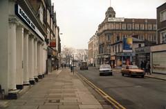 Southend High Street - Feb 1985 (piktaker) Tags: uk essex southend southendhighstreet southendonsea barclaysbank ketts brightwells cotgrovesrestaurant
