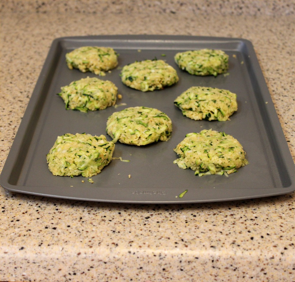 A Teaspoon and A Pinch: Zucchini Cakes