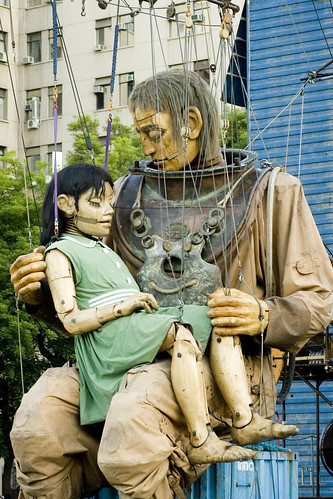 """La Invitación"" - Royal De Luxe by Vic Riedemann"