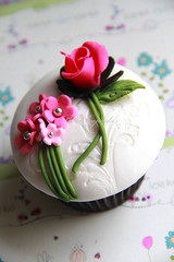 Tones of Pink! (Bella Cupcakes (Vanessa Iti)) Tags: pink wedding roses brown black blossoms embossing buttercream cupcaketower lustredust fondantcovered bellacupcakes