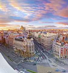 View from the roof of the Fine Arts Circle (Carlos Vega Moreno) Tags: madrid from roof panorama espaa building del canon circle de la is spain view pano edificio fine arts carlos via panoramica vista gran graduate 1855 filters vega artes azotea metropolitan desde circulo bellas density neutral graduado telefnica cokin filtros neutra gnd densidad 40d flickraward