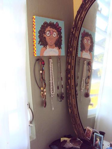 Mia- jewelry hanger