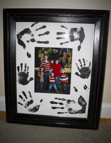 hand print family picture frame mat gift handprint