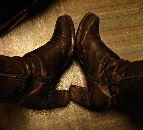 boots saltencrustedleather thisiswhatthefloorofmyofficelookslikerightbymydesk