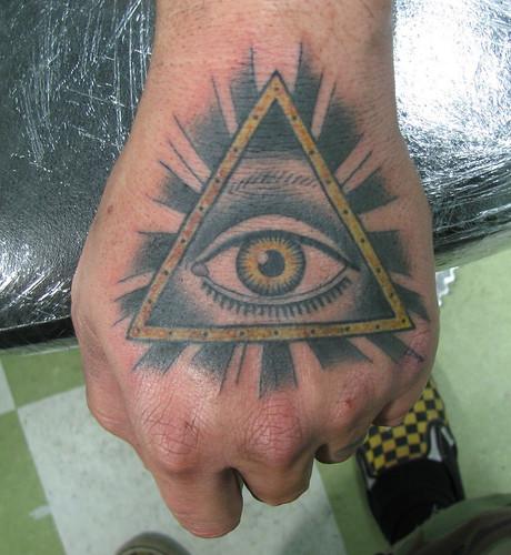 Un Pote S Es Fait Un Tatoo Illuminati Sur Le Forum Blabla 18 25 Ans