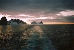 Lemaire Kanal Antarktis (Aah-Yeah) Tags: cruise columbus sunset ship sonnenuntergang antarctica kanal peninsula schiff caravelle kreuzfahrt lemaire antarktis