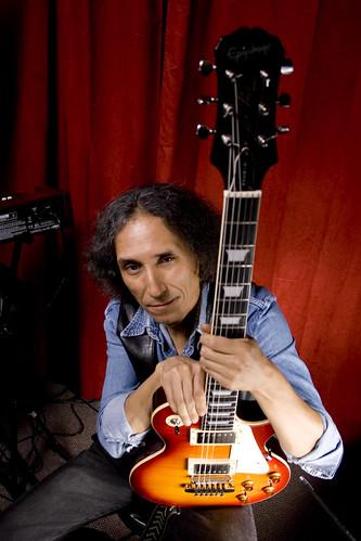 Astralis / Luis Álvarez, Guitarra by Vic Riedemann