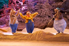 DLP Feb 2010 - Mickey's Winter Wonderland (PeterPanFan) Tags: travel france canon europe disney 7d fr wendell themepark vaction disneylandparis dlp disneylandresortparis bigal disneycharacters disneypictures ef24105mmf4lisusm disneyparks liverlips stockcategories mickeyswinterwonderland marnelavallee canon7d showsentertainment