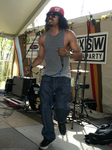 03.19.10c Dam-Funk @ French Legation Museum, Other Music & Dig for Fire Lawn Party (8)