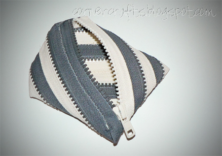 two tone zipper coin purse