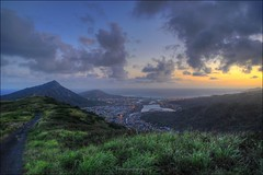 Kamehame Ridge Trail Hike HDR (eschborn.photography) Tags: street sunset people sunshine clouds walking hawaii pretty looking oahu path walk south wolken hike trail romantic hanaumabay fusion hdr kokohead mild kokocrater eschborn kamehameridge hawaiiansummer eschbornphotography