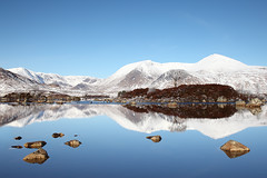 Lochan na h-Achlaise, Last Glimpse of Winter (David Kendal) Tags: reflections calm rannochmoor lochan blackmount lochannahachlaise achlaise scottishwinter ammonadhdubh