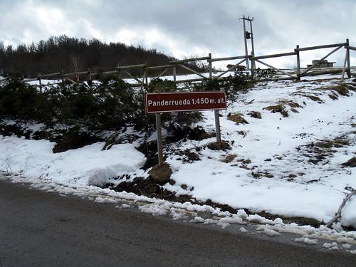 Pass at Puerto de Panderruedas 1450m