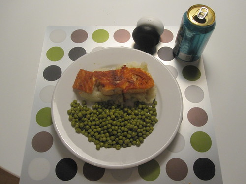Salom, mashed potatoes, peas, Fresca