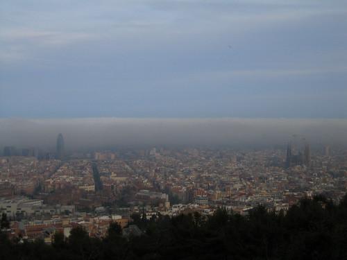 Barcelona bajo la niebla
