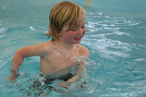Jef, eerste zwempartij